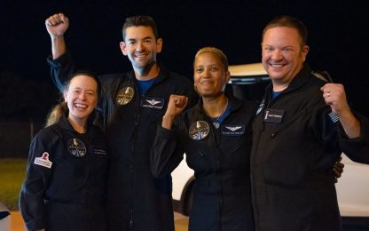 SpaceX, rientrati sulla Terra i primi quattro turisti in orbita