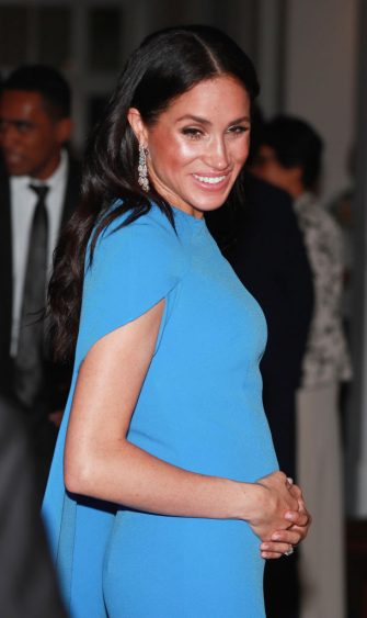 SUVA, FIJI - OCTOBER 23:  Meghan, Duchess of Sussex attends a state dinner hosted by the president of the South Pacific nation Jioji Konrote at the Grand Pacific Hotel on October 23, 2018 in Suva, Fiji. The Duke and Duchess of Sussex are on their official 16-day Autumn tour visiting cities in Australia, Fiji, Tonga and New Zealand.  (Photo by Pool/Samir Hussein/WireImage)