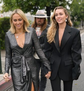 LOS ANGELES, CA - FEBRUARY 10:  Tish Cyrus (L) and Miley Cyrus attend the 61st Annual GRAMMY Awards at Staples Center on February 10, 2019 in Los Angeles, California.  (Photo by Matt Winkelmeyer/Getty Images for The Recording Academy)