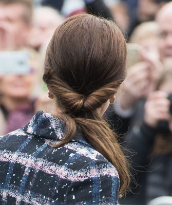 MANCHESTER, ENGLAND - OCTOBER 14:  Catherine, Duchess of Cambridge, hair detail, arrives at the National Football Museum on October 14, 2016 in Manchester, England.  (Photo by Samir Hussein/WireImage)