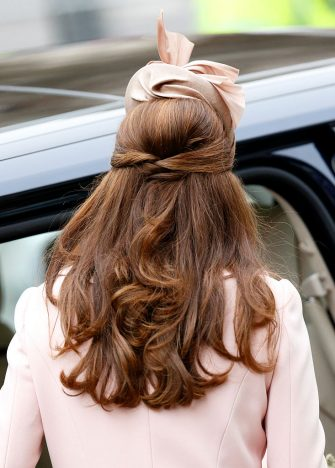 LONDON, UNITED KINGDOM - MARCH 09: (EMBARGOED FOR PUBLICATION IN UK NEWSPAPERS UNTIL 48 HOURS AFTER CREATE DATE AND TIME) Catherine, Duchess of Cambridge (hair detail) attends the Commonwealth Observance Service at Westminster Abbey on March 9, 2015 in London, England. (Photo by Max Mumby/Indigo/Getty Images)
