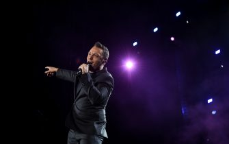 SALERNO, ITALY - JULY 12: Italian singer-songwriter, producer and author Tiziano Ferro performs on stage at Arechi Stadium for 'Il mestiere della vita tour' on July 12, 2017 in Salerno, Italy. (Photo by Ivan Romano/Getty Images)