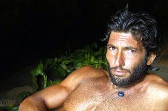 ©FREZZA LAFATA/LAPRESSE24-10-2003SANTO DOMINGOSPETTACOLO TELEVISIONEL'ISOLA DEI FAMOSINELLA FOTO: WALTER NUDO