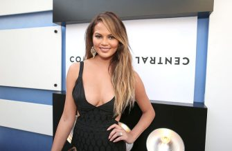 LOS ANGELES, CA - MARCH 14:  Model Chrissy Teigen attends The Comedy Central Roast of Justin Bieber at Sony Pictures Studios on March 14, 2015 in Los Angeles, California.  (Photo by Christopher Polk/Getty Images)