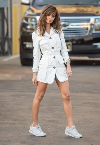 LOS ANGELES, CA - OCTOBER 31: Emily Ratajkowski is seen at 'Jimmy Kimmel Live' on October 31, 2018 in Los Angeles, California.  (Photo by RB/Bauer-Griffin/GC Images)