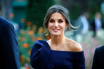 """PARIS, FRANCE - OCTOBER 05:  Queen Letizia of Spain arrives at the Grand Palais to visit the Miro exhibition on October 05,2018 in Paris, France. The Spanish royal couple is in Paris to visit the """"Miro, La couleur des reves"""" exhibition and participate in an official dinner with Emmanuel Macron and his wife Brigitte at the Elysee Presidential Palace.  (Photo by Chesnot/WireImage)"""