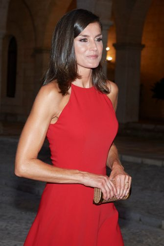 PALMA DE MALLORCA, SPAIN - AUGUST 07: Queen Letizia of Spain hosts a dinner for authorities at the Almudaina Palace on August 07, 2019 in Palma de Mallorca, Spain. (Photo by Carlos Alvarez/Getty Images)