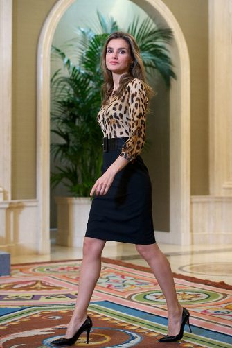 MADRID, SPAIN - OCTOBER 21:  Princess Letizia of Spain attends several audiences at Zarzuela Palace on October 21, 2013 in Madrid, Spain.  (Photo by Carlos Alvarez/Getty Images)