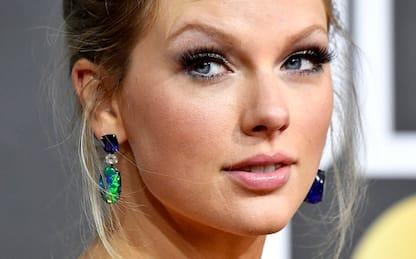 """""""Folklore"""" sbanca: record di vendite per l'album di Taylor Swift"""