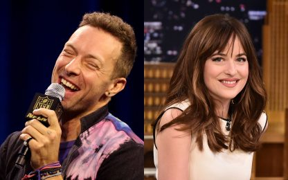 Chris Martin e Dakota Johnson si sposano? L'indiscrezione sull'anello