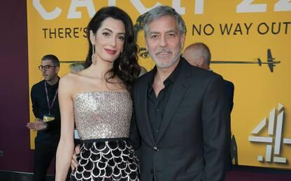 George Clooney e Amal, donazione da 100.000 dollari per il Libano