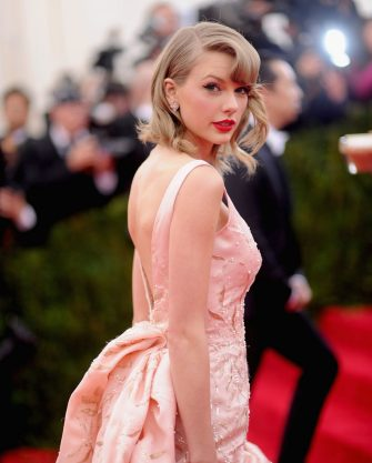 """NEW YORK, NY - MAY 05:  Taylor Swift attends the """"Charles James: Beyond Fashion"""" Costume Institute Gala at the Metropolitan Museum of Art on May 5, 2014 in New York City.  (Photo by Dimitrios Kambouris/Getty Images)"""