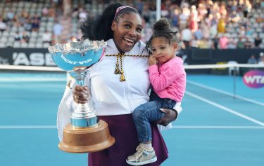 Serena Williams of the US with her daughter Alexis Olympia after her win against Jessica Pegula of the US during their women's singles final match during the Auckland Classic tennis tournament in Auckland on January 12, 2020. (Photo by MICHAEL BRADLEY / AFP) (Photo by MICHAEL BRADLEY/AFP via Getty Images)