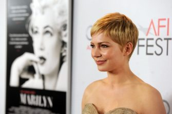 """HOLLYWOOD, CA - NOVEMBER 06:  Actress Michelle Williams arrives at the """"My Week With Marilyn"""" special screening during AFI FEST 2011 presented by Audi at Grauman's Chinese Theatre on November 6, 2011 in Hollywood, California.  (Photo by Kevin Winter/Getty Images for AFI)"""