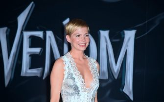 Actress Michelle Williams arrives for the premiere of 'Venom' at the Regency Village theatre in Westwood, California, on October 1, 2018. (Photo by Frederic J. BROWN / AFP)        (Photo credit should read FREDERIC J. BROWN/AFP via Getty Images)