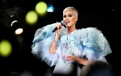 Katy Perry mostra il regalo ricevuto da Taylor Swift