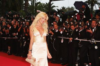 CANNES, FRANCE - MAY 20:  Model Victoria Silvstedt arrives for the  'Changeling' at the Palais des Festivals during the 61st International Cannes Film Festival on May 20, 2008 in Cannes, France.  (Photo by Gareth Cattermole/Getty Images)