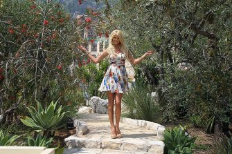 Swedish model, actress, singer and TV host Victoria Silvstedt poses on May 31, 2012 in the gardens of the Monte-Carlo Bay hotel in Monaco. AFP PHOTO / VALERY HACHE        (Photo credit should read VALERY HACHE/AFP/GettyImages)