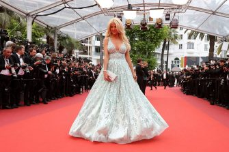 """Swedish model and actress Victoria Silvstedt arrives on May 13, 2016 for the screening of the film """"Ma Loute (Slack Bay)"""" at the 69th Cannes Film Festival in Cannes, southern France.  / AFP / Valery HACHE        (Photo credit should read VALERY HACHE/AFP via Getty Images)"""
