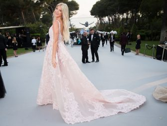 CAP D'ANTIBES, FRANCE - MAY 25:  (EDITOR'S NOTE: This image has been retouched.) Victoria Silvstedt attends the amfAR Gala Cannes 2017 at Hotel du Cap-Eden-Roc on May 25, 2017 in Cap d'Antibes, France.  (Photo by Pascal Le Segretain/amfAR2017/WireImage)
