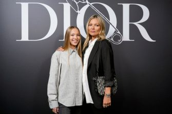 PARIS, FRANCE - JANUARY 17: Lila Moss and Kate Moss attend the Dior Homme Menswear Fall/Winter 2020-2021 show as part of Paris Fashion Week on January 17, 2020 in Paris, France. (Photo by Francois Durand for Dior/Getty Images)