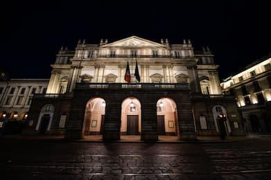 Teatro alla Scala, 21 musicisti positivi al Covid. Uno in ospedale