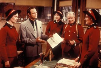 JEAN SIMMONS & MARLON BRANDO in Guys & Dolls *Editorial Use Only* www.capitalpictures.com sales@capitalpictures.com Supplied by Capital Pictures