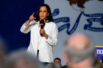 TOPSHOT - 2020 Democratic Presidential hopeful Senator Kamala Harris (D-CA) speaks at a campaign rally in Davenport, Iowa on August 12, 2019. - Harris finishes a multi-day bus tour across Iowa today. (Photo by Alex Edelman / AFP) (Photo by ALEX EDELMAN/AFP via Getty Images)