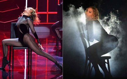 Jennifer Lopez agli American Music Awards. I fan: ha copiato Beyonce