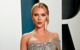 epa08209903 Scarlett Johansson attends the 2020 Vanity Fair Oscar Party following the 92nd annual Academy Awards ceremony in Beverly Hills, California, USA, 09 February 2020 (Issued 10 February 2020).  EPA/RINGO CHIU