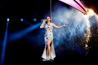 GLENDALE, AZ - FEBRUARY 01:  Singer Katy Perry performs during the Pepsi Super Bowl XLIX Halftime Show at University of Phoenix Stadium on February 1, 2015 in Glendale, Arizona.  (Photo by Kevin C. Cox/Getty Images)