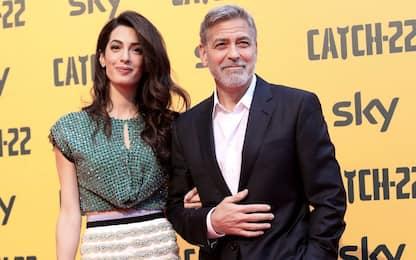 """Amal pubblica un libro e promette a George Clooney: """"Non lo farò più"""""""