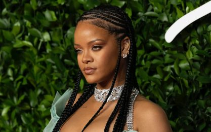 Essence, Rihanna conquista la cover