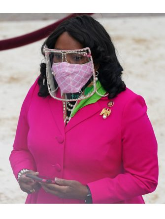 Rep. Terri Sewell of Alabama arrives for the inauguration of Joe Biden as the 46th US President on January 20, 2021, at the US Capitol in Washington, DC. (Photo by Erin SCHAFF / POOL / AFP) (Photo by ERIN SCHAFF/POOL/AFP via Getty Images)
