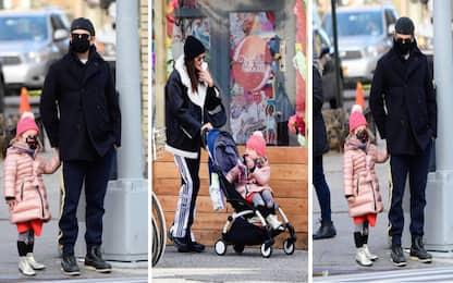 Bradley Cooper e Irina Shayk: la passeggiata con la figlia Lea FOTO