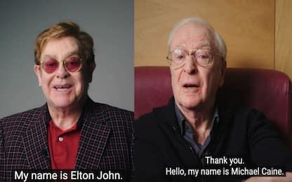 Elton John e Michael Caine si vaccinano e invitano a farlo. VIDEO