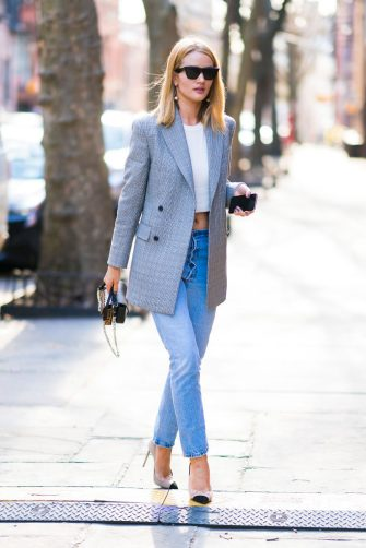 NEW YORK, NY - APRIL 05:  Rosie Huntington-Whiteley is seen wearing Calvin Klein blazer, Re/done jeans with a Fendi handbag in SoHo on April 5, 2018 in New York City.  (Photo by Gotham/Getty Images)