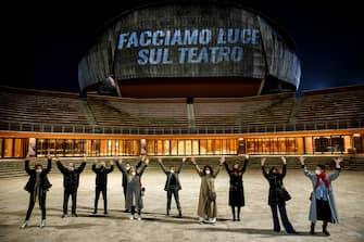 Unita Facciamo Luce Sul Teatro
