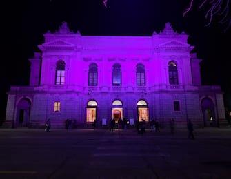 Facciamo luce sui teatri : a Bergamo si illumina il teatro Donizetti, Bergamo, 22 febbraio 2021. ANSA/FILIPPO VENEZIA