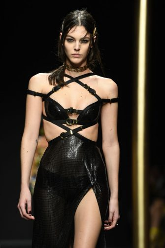 MILAN, ITALY - FEBRUARY 22: Vittoria Ceretti walks the runway at the Versace show at Milan Fashion Week Autumn/Winter 2019/20 on February 22, 2019 in Milan, Italy. (Photo by Daniele Venturelli/Daniele Venturelli/Getty Images )
