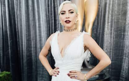 Lady Gaga a Roma con un nuovo look: sta girando il film Gucci