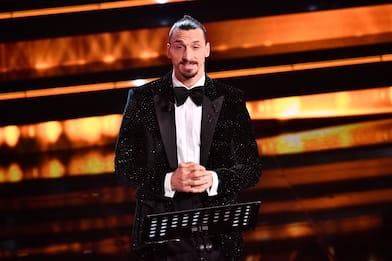 Tutti i look di Zlatan Ibrahimovic al Festival di Sanremo 2021. FOTO