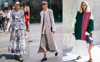 Gonna lunga con scarpe basse: la moda chic del momento
