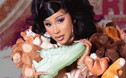 Cardi B ha firmato la sua prima collezione di scarpe per Reebok