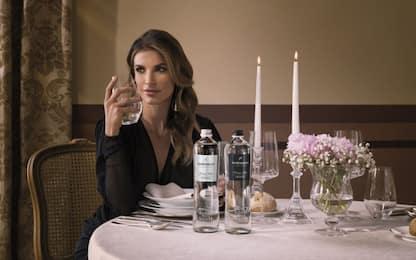Elisabetta Canalis nuova testimonial di Acqua Minerale San Benedetto