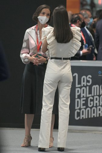 MADRID, SPAIN - MAY 19: The Minister of Industry, Trade and Tourism, Reyes Maroto (left) and Queen Letizia, during the inauguration of Fitur 2021, on 19 May 2021, at IFEMA, Madrid,, Spain. The International Tourism Fair, Fitur 2021 'Special Tourism Recovery', is the first fair in hybrid format of the international circuit of major events and is the great strategic commitment of the Spanish Government for the recovery of tourism, a key sector for the economy. Organised by Ifema Madrid, from 19 to 23 May, the fair will bring together more than 5,000 participants from the five continents, with the presence of all the autonomous communities, companies and destinations from 55 countries. (Photo By Jose Oliva/Europa Press via Getty Images)