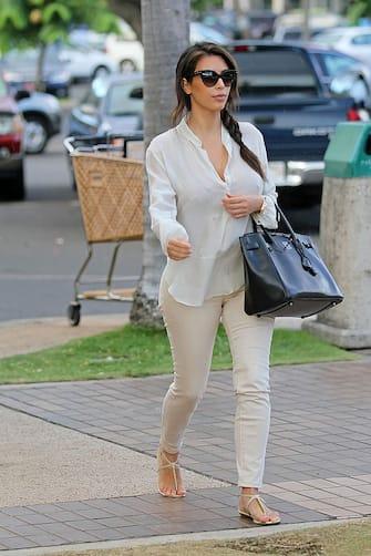 HONOLULU, HI - AUGUST 18: Kim Kardashian is seen on August 18, 2012 in Honolulu, Hawaii.  (Photo by Bauer-Griffin/GC Images)