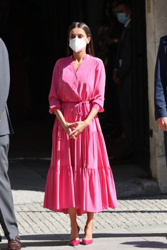 """MADRID, SPAIN - JUNE 09: Queen Letizia poses on her arrival at the opening of the exhibition """"Berlanguiano, Luis Garcia Berlanga (1921-2021)"""", on June 9, 2021 in Madrid, Spain. Promoted by the Academia de Cine, the exhibition presents the filmmaker as one of the most significant authors of the Spanish culture of the 20th century. (Photo by Raul Terrel/Europa Press via Getty Images)"""