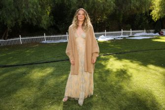 """UNIVERSAL CITY, CALIFORNIA - NOVEMBER 12: Singer / Actress LeAnn Rimes visits Hallmark Channel's """"Home & Family"""" at Universal Studios Hollywood on November 12, 2020 in Universal City, California. (Photo by Paul Archuleta/Getty Images)"""