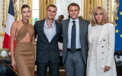 Justin Bieber e Hailey Baldwin, l'incontro con i Macron a Parigi. FOTO